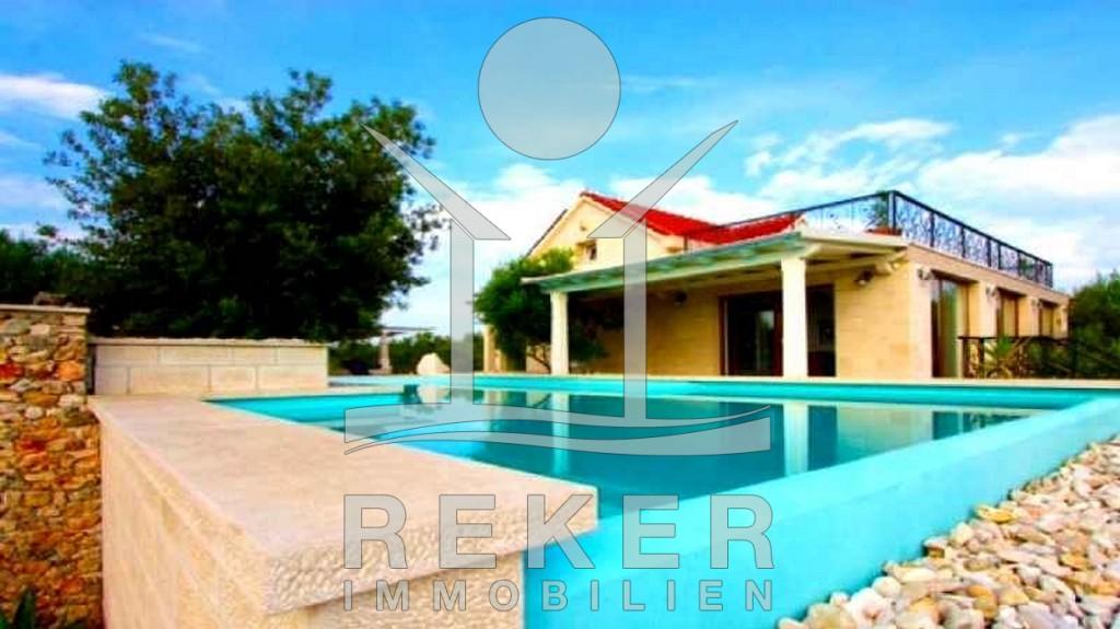 Sutivan Insel Brač schöne Steinhaus Villa mit Pool
