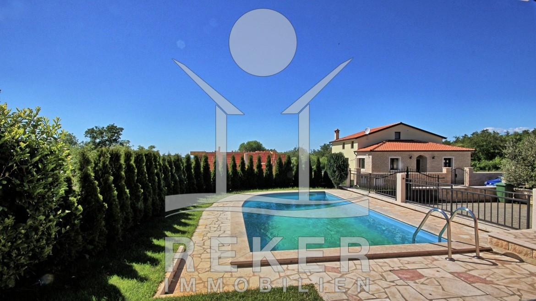 Einfamilienhaus mit pool  Schönes Einfamilienhaus mit Pool bei Vrsar