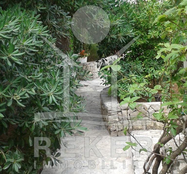 Doppelhaus-Hälfte In Primošten Mit Garten Und Meerblick