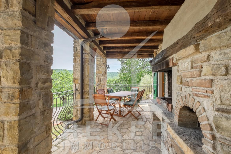 Eine Herrliche Steinhaus Villa