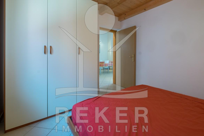 sch nes schlafzimmer modern bettdecken welche gr en gibt es schlafzimmer schrankwand 2. Black Bedroom Furniture Sets. Home Design Ideas