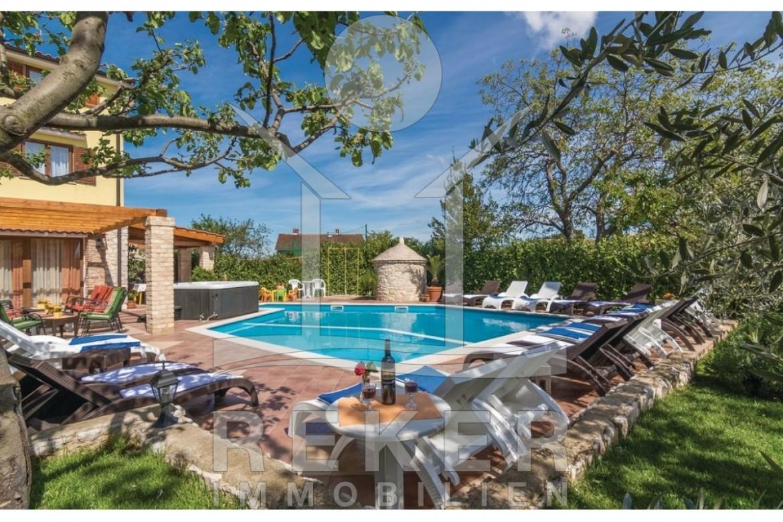 Višnjan sehr hochwertig ausgestattet Villa mit Pool