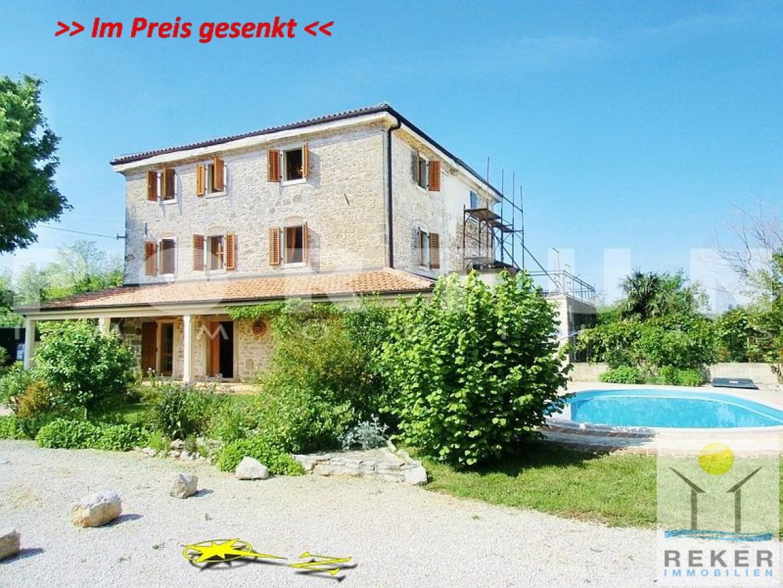 Traumhaus mit pool und garten  Traumhaftes Steinhaus auf großem Grundstück in Višnjan