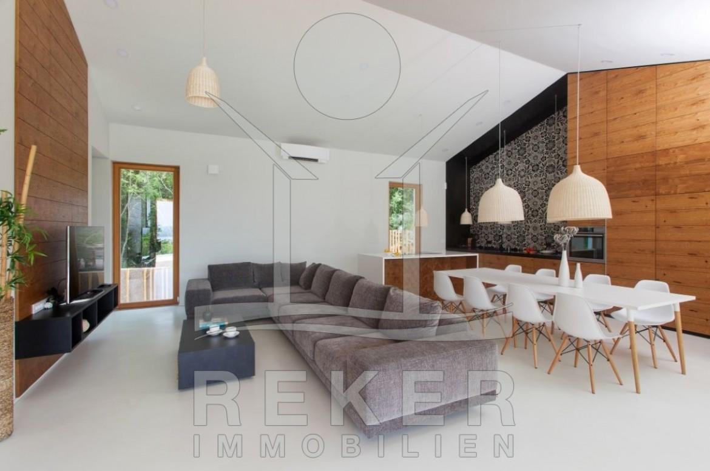 Insel Krk Bucht Soline Luxus-Villa mit Pool am Meer